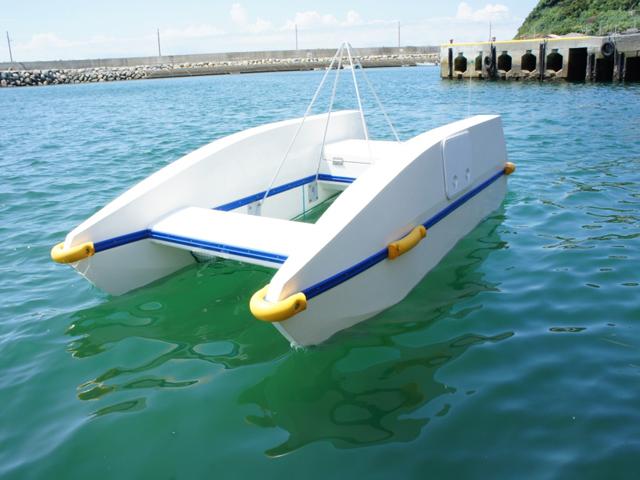 水面清掃船 エコボート 進水