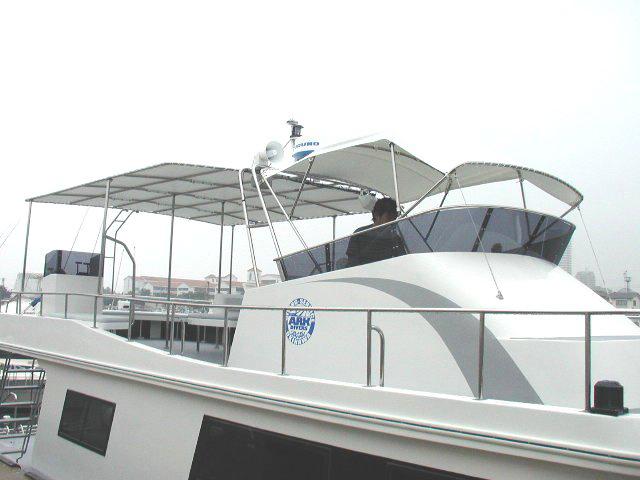 沖縄ダイビングボート LEGEND