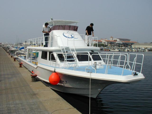 沖縄ダイビングボート Lara